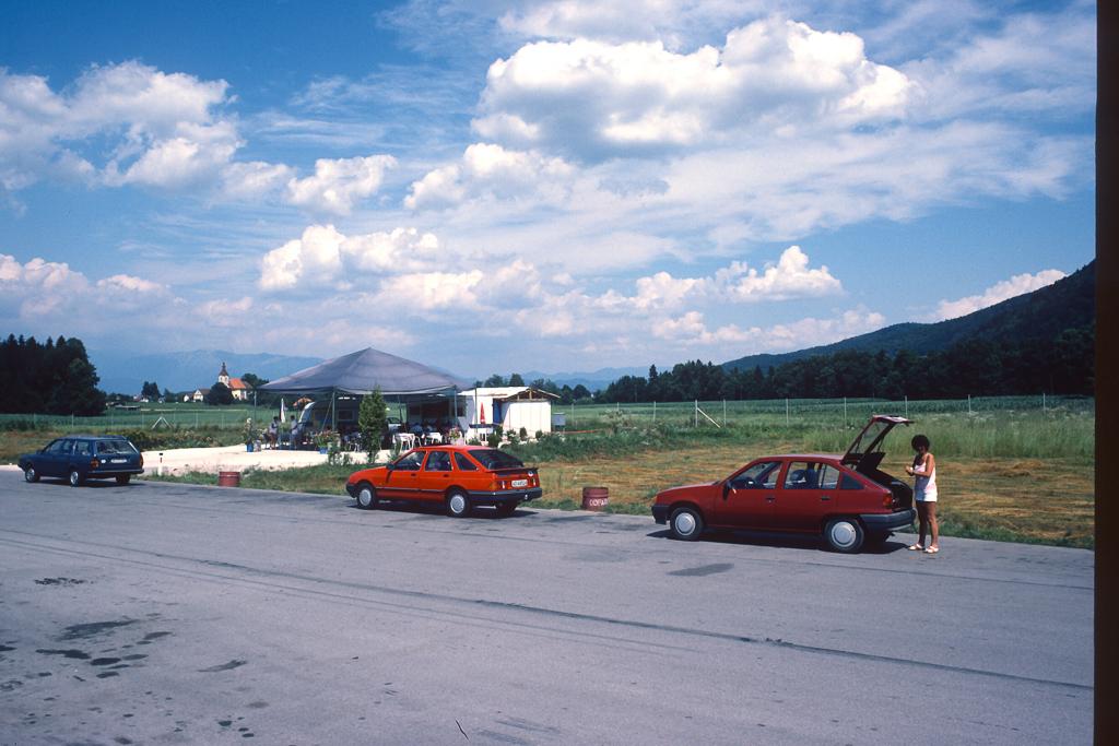 1987_07-0011